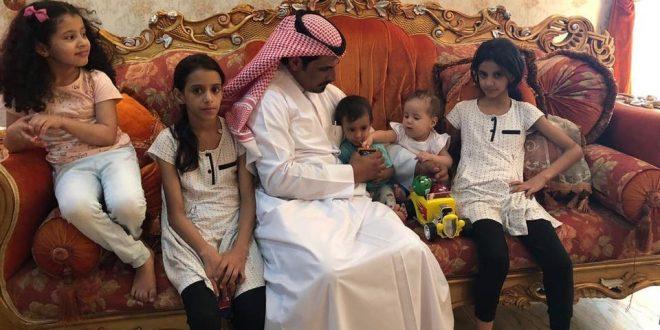 مدير مستشفة الحمنة بالمدينة المنورة يستضيف ثلاث أطفال يمنيين فقدوا والديهم في حادث